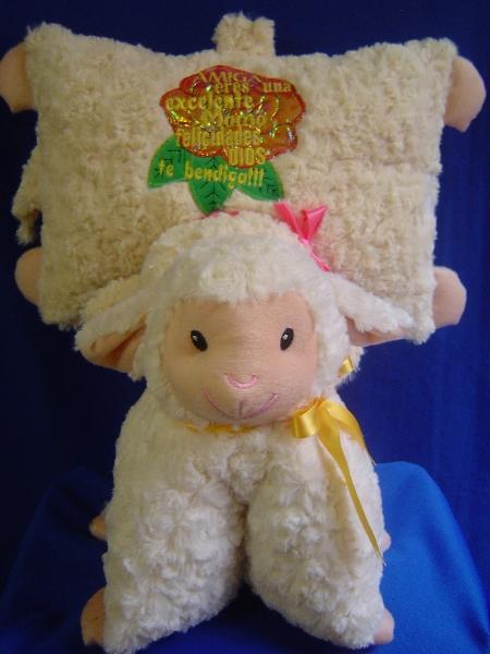 033 - almohada oveja dia del niño y de la mama