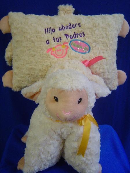 almohada oveja dia del niño y de la mama  049