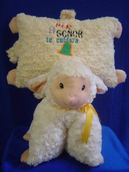 almohada oveja dia del niño y de la mama -055